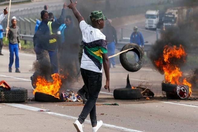 سَجْن زوما يكشف النقاب عن أزمات جنوب أفريقيا