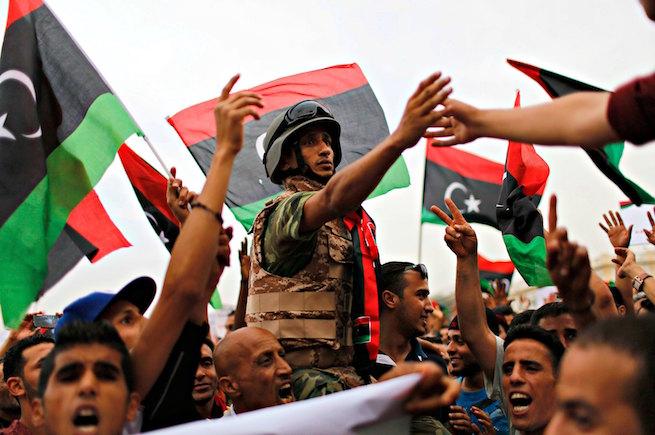ما بعد تحرير بنغازي... التسوية السياسية أم الحسم العسكري؟